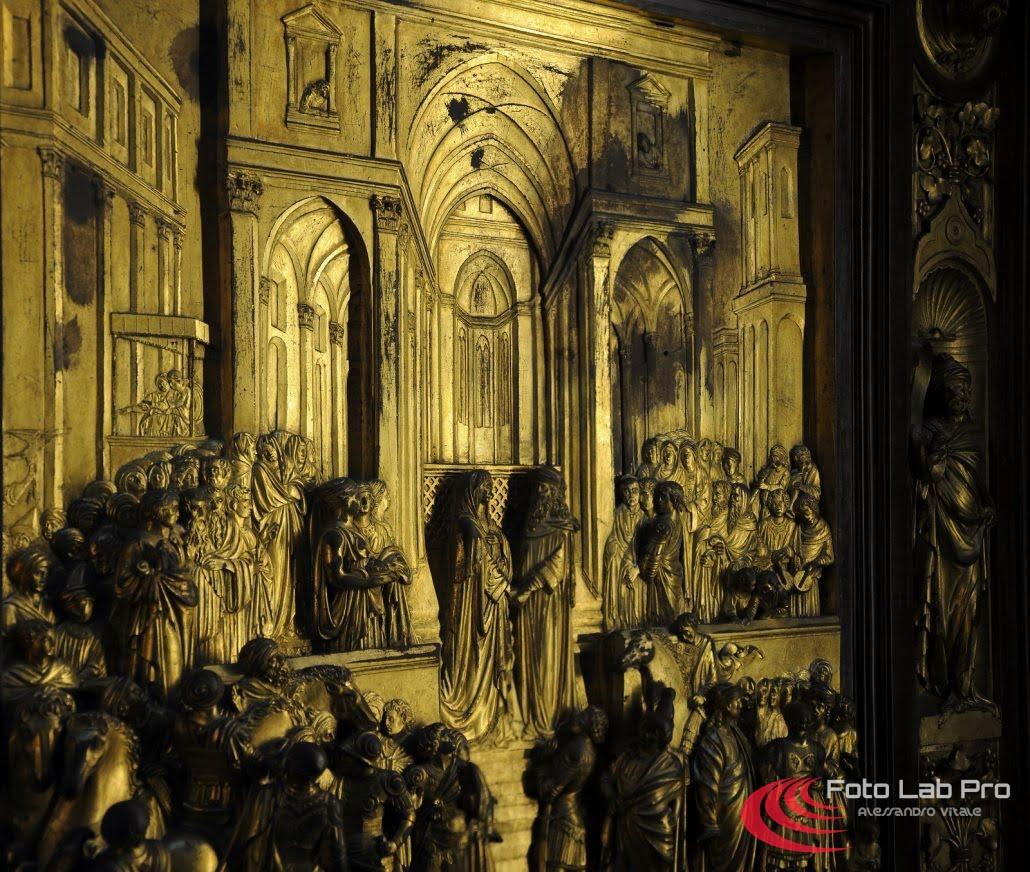 Porta in bassorilievo Firenze